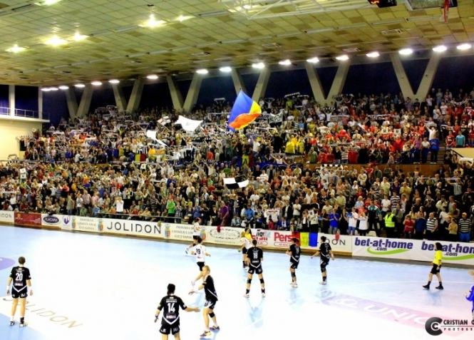 U Cluj         - Pagina 3 Big-u-joli-gyor-25-30-cc-20-10-2012-521